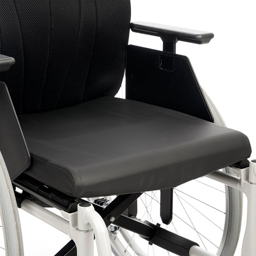 Etac-Cross-5-hygiene-seat-cushion